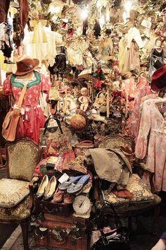 gypsy junk (looks like treasure to me, eeeee!)