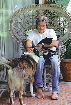 almost famous cats — alain delon Beautiful Cats, Animals Beautiful, Cute Animals, Alain Delon, Celebrities With Cats, Foto Poster, Son Chat, Cat People, Mundo Animal