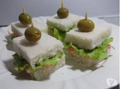 Resultado de imagem para mini sanduiches para festa infantil Mini Sandwiches, Finger Sandwiches, Dinner Party Recipes, Snack Recipes, Cooking Recipes, Comida Para Baby Shower, Snacks Saludables, Dessert, Cooking With Kids