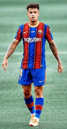 Barcelona Players, Fc Barcelona, World Football, Football Players, Gigi Hadid Eyes, Football Player Costume, Soccer Pictures, Football Wallpaper, Lionel Messi