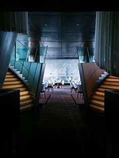 felix at the peninsula hong kong Peninsula Hong Kong, Hong Kong Architecture, Maximalist Interior, Traditional Interior, Hospitality Design, Postmodernism, Holiday Destinations, Modern Interior Design, Hotels And Resorts