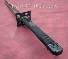 Zombie Apocalypse Weapons, Tomahawk Axe, Armas Ninja, Sword Design, Weapon Concept Art, Knives And Swords, Armors, Katana, Knifes