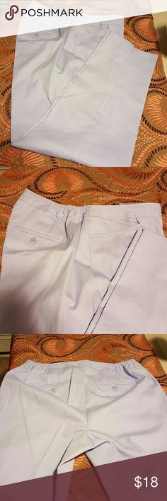 Talbots pant Nice Capri pant in mint condition,  nice Lila color 28 inseam Talbots Pants