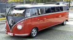Het is gewoon een echte bus joh! Classic!  www.splendeur-limousines.nl