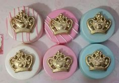Royal crown for decoration on your desserts by Chocolate Covered Treats, Chocolate Dipped Oreos, Chocolate Sweets, Chocolate Cookies, Fancy Cookies, Oreo Cookies, Cupcake Cookies, Oreo Delight, Oreo Treats
