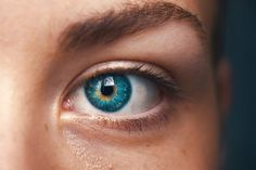 Makeup Ideas For Blue Eyes - Unique Eye Color - Bele Close Up, Photos Of Eyes, Eye Pictures, Healthy Eyes, Healthy Life, Deep Learning, How To Get Rid, Blue Eyes, Contouring