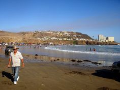 Looking south on Popotla Beach, Baja California, Mexico - Blog: http://bajabybus.com/blog/item/10-popotla... I was here like three weeks ago :)