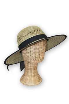 Ready for the beach, but can't take the sun? Welcome the Santa Monica. This sturdy UPF 50 straw hat will keep your face in the shade, but your style in the sun.