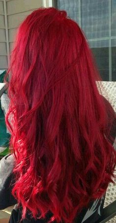 20 ideas for red ombre hair. List of red ombre hair colors. Red ombre hair color ideas for a bold new look. Dark Red Hair Dye, Bright Red Hair Dye, Dyed Red Hair, Hair Color Dark, Cool Hair Color, Ombre Hair, Red Hair Dye Colors, Red Ombre, Red Color