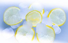 Buy an ORGANIC lemon, wash it, freeze it, grate it, and put it on everything you eat. Learn why you should be freezing your lemons. Read on to know! Health And Beauty Tips, Health And Wellness, Home Remedies, Natural Remedies, Heat Rash, Lemon Desserts, Freezer Meals, Freezer Recipes, Healthy Alternatives