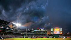 PHOTO OF THE DAY: A dramatic scene at Turner Field last night as the clouds and Braves runs came rolling in!    (Photo by Pouya Dianat/Atlanta Braves/Getty Images)  — en Turner Field.