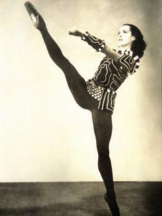 Vintage ballet dancer postcard - Lupe Serrano ballerina, Clorinda The  Combat, American Ballet Theatre, fifties 1957 db267abe85
