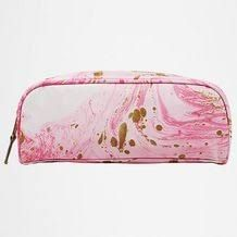 A quality cosmetic bag with a fun printed finish, perfect for storing and separating make-up and everyday essentials. All-over marble print.
