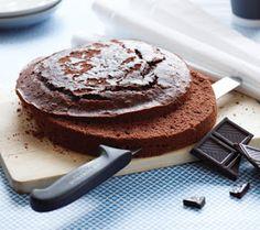 Chokolate cake for fondant layer cake
