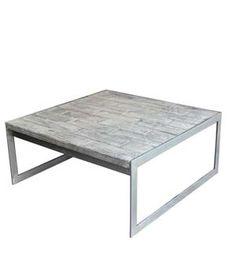 Mesa de centro con sobre de madera reciclado y de aspecto envejecido en tono grisáceo , la estructura esta fabricada con tubo de hierro , y la madera son retales de pino , se fabrica en diferentes medidas y acabados.
