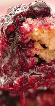 Triple Berry Cobbler - This mixed berry cobbler tastes like an old fashioned cobbler recipe Grandma made with raspberries, blackberries and blueberries. Apple Crisp Recipes, Fruit Recipes, Wine Recipes, Food Network Recipes, Dessert Recipes, Triple Berry Cobbler, Mixed Berry Cobbler, Cherry Cobbler, Holiday Desserts