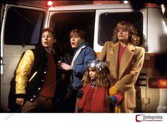 Adventures in Babysitting (Tutto quella notte), 1987 - Chris Columbus Cult Movies, Funny Movies, Funniest Movies, Films, Adventures In Babysitting 1987, Chris Columbus, Elisabeth Shue, Cinema Film, Childhood