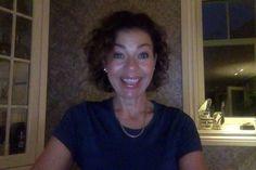 Hør min historie om hvordan jeg etter 10 år ble fri fra smerter og medisiner ved å spise ren og sunn mat, og ta høykvalitets vitaminer og mineraler. JEGANTEIKKEATJEGKUNNEFÅSÅSTOREHELSEGEVINSTERved å gjøre så små justeringer i hverdagen! NÅRMANLÆRERBEDRESÅGJØRMANBEDRE.Og jeg hjelper deg gjerne i gang :-) Ta kontakt på info@agnemyr.no for mer informasjon.