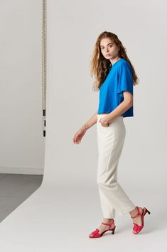 cotton Made in the USA Model is wearing a S. Model is a US 2 in dresses & bottoms, 26 denim and S in tops. Cotton Citizen, Tokyo, Tees, Shirts, Electric, Short Sleeves, Normcore, Denim, Model