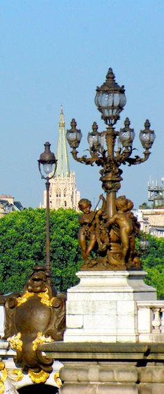 The lamp posts of Pont Alexandre III, Paris © French Moments #Paris #PontAlexandreIII #Unesco #Seine