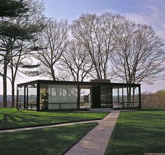 philip johnson glass house exterior