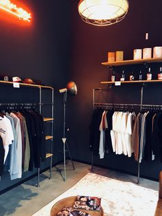 Create your very own walk-in closet with our customizable wardrobe solutions! Combine it with shelves! Open Wardrobe, Wardrobe Rack, Wardrobe Solutions, Metal Pipe, Wardrobe Design, Walk In Closet, Industrial Style, Shelves, Bedroom