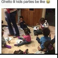 lol I went to my friends cousins birthday party and this was how it was. I felt really uncomfortable, then the momma kept calling me boujee, nah sis I just got a lil more class and that just how I grew up, a little more higher than middle class. Funny Facts, Funny Tweets, Funny Relatable Memes, Funny Jokes, Hilarious, Funny As Hell, Stupid Funny, Funny Stuff, Mama Memes