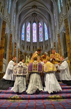 New Liturgical Movement: What Does Opposition to the Traditional Mass Really Signify?