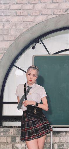 Kpop Girl Groups, Kpop Girls, Yg Entertainment, Pink Movies, Korean Best Friends, Hip Hop, Cute Rose, Rose Icon, Jennie Lisa