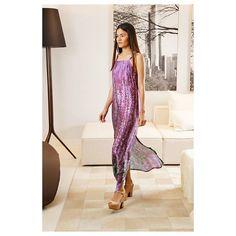 Vestido Felicity. Estampa #Lavanda. Aquele longo que você respeita! Conforto, estilo e sofisticação. #RitaPradoAtelier - ph: @dekolira   modelo: @joanagneta   locação: @saccaroteresina   produção: @paty_css e @yurii_ribeiro  