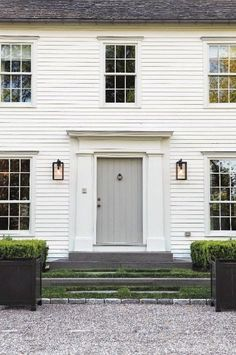 Exterior Paint Colors - You want a fresh new look for exterior of your home? Get inspired for your next exterior painting project with our color gallery. All About Best Home Exterior Paint Color Ideas Colonial Front Door, Colonial Exterior, Modern Colonial, Exterior Paint, Exterior Design, Interior And Exterior, Modern Farmhouse, American Farmhouse, White Farmhouse