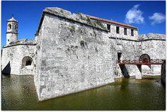 Maritime museum at the edge of Havana Harbor Maritime Museum, Book Projects, Louvre, Mansions, House Styles, Building, Travel, Santiago De Cuba, Saint Christopher