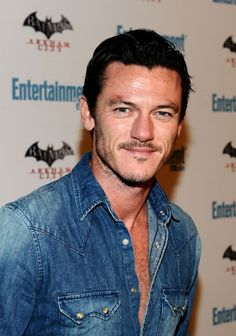 luke evans actor | Luke Evans Actor Luke Evans arrives at Entertainment Weekly's 5th ...