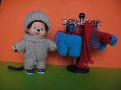 Tricot Kiki/Monchhichi Dremel, Diy Toys, Ronald Mcdonald, Barbie, Crochet Hats, Dolls, Creative, Hui, Plushies