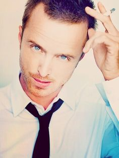 Aaron Paul....gorgeous blue eyes
