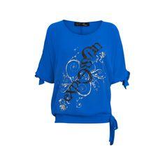 $48  Μπλούζα γυναικεία με δέσιμο στα μανίκια    Αγαπημένη μπλούζα με ιδιαίτερο δέσιμο στα μανίκια, και την μέση.To ύφασμα της είναι πολύ απαλό και προσφέρει άνεση που αναμειγνύεται με την κομψότητα και οδηγεί σε ένα μοναδικό στυλ. Τολμήστε το χρώμα στην ζωή σας της πάει πολύ !!! Χρώμα ελεκτρίκ  Σύνθεση: Αντιμετάξι    Προτεινόμενο πλύσιμο στους 30° χωρίς στύψιμο  www.fashion.gr