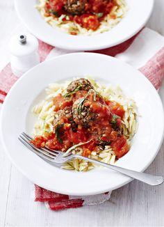 Lentil 'meatballs' with fresh tomato sauce