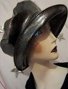chapeau de pluie très chic sur commande noir par MatheHBcouture