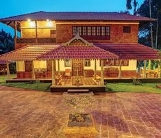 Indian House Exterior Design, Indian Home Design, Kerala House Design, Kerala Traditional House, Traditional Home Exteriors, Traditional House Plans, Small Modern House Plans, Indian House Plans, Mud House