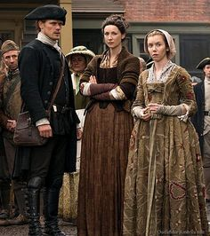 New photo of Sam Heughan as Jamie Fraser, Caitriona Balfe as Claire Fraser and Lauren Lyle as Marsali 🖤🖤 - Outlander_Starz Season 4 Drums of Autumn - posted up August 2018 Outlander Show, Outlander Casting, Sam Heughan Outlander, Outlander Quotes, Jaime Fraser, Fraser Clan, Drums Of Autumn, Tartan, Star Wars