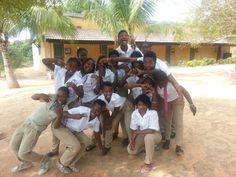 I ragazzi del secondo anno della Scuola Professionale di Nacala, che si prenderanno cura dei Vacanzieri Solidali... (ADPP Nacala Colégio Politécnico) — #mozambique #vacanzasolidale #summer #vacanza #turismoresponsabile #nacala #humana