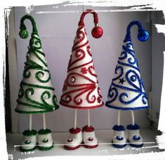 ТОПИАРИИ СВОИМИ РУКАМИ Mannequin Christmas Tree, Cone Christmas Trees, Holiday Tree, Christmas Toys, Holiday Ornaments, Christmas Holidays, Christmas Decorations, New Year's Crafts, Holiday Crafts