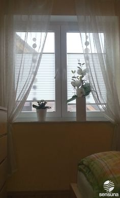 Sensuna® Plissee Gardinen Am Schlafzimmer Fenster / Sensuna® Pleated Blinds  On The Bedroom Window