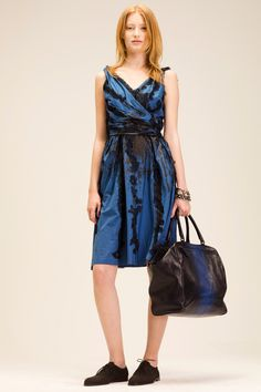 Bottega Veneta Resort 2014 Fashion Show Fashion Tv, New York Fashion, Runway Fashion, Fashion Show, Autumn Fashion, Fashion Outfits, Fashion Design, Fashion Trends, Fashion 2014