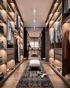 38 Wonderful Walk In Closet Design Ideas With Low Budget - Have you ever considered how much walk in closet designs could improve your life and save you time? How many of you have had one of those mornings, yo. Walk In Closet Design, Bedroom Closet Design, Closet Designs, Lux Bedroom, Walk In Closet Small, Master Bedroom, Luxury Wardrobe, Luxury Closet, Dream Home Design