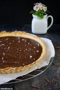 Schokoladentarte mit Creme Fraiche und Meersalz! | malteskitchen.de #tarte #schokolade