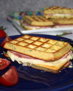 Croc gaufres Monsieur with zucchini without flour Chez Vanda Avocado Toast, Chez Vanda, Cas, Ww Recipes, Bon Appetit, Entrees, Zucchini, Sandwiches, Food Porn
