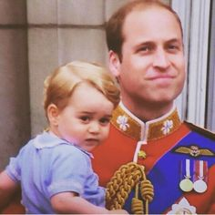 Proud father | Padre Orgulloso  #princewilliam #today #hoy #troopingthecolour #prince #william #príncipe #guillermo #princegeorge #george #jorge #british #británico #London #Londres #England #Inglaterra #proud #father #proudfather #orgullo