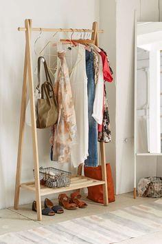 15 mẫu giá treo quần áo vừa đẹp vừa tiện cho nhà chật