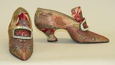 Pumps 1913 made by Pietro Yantorny (Italian), French, made of silk and wood, The Metropolitan Museum of Art C.I.69.12.2a–h